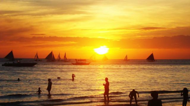 HOPE. Will a new day dawn for Boracay? Photo by Glenn Barit