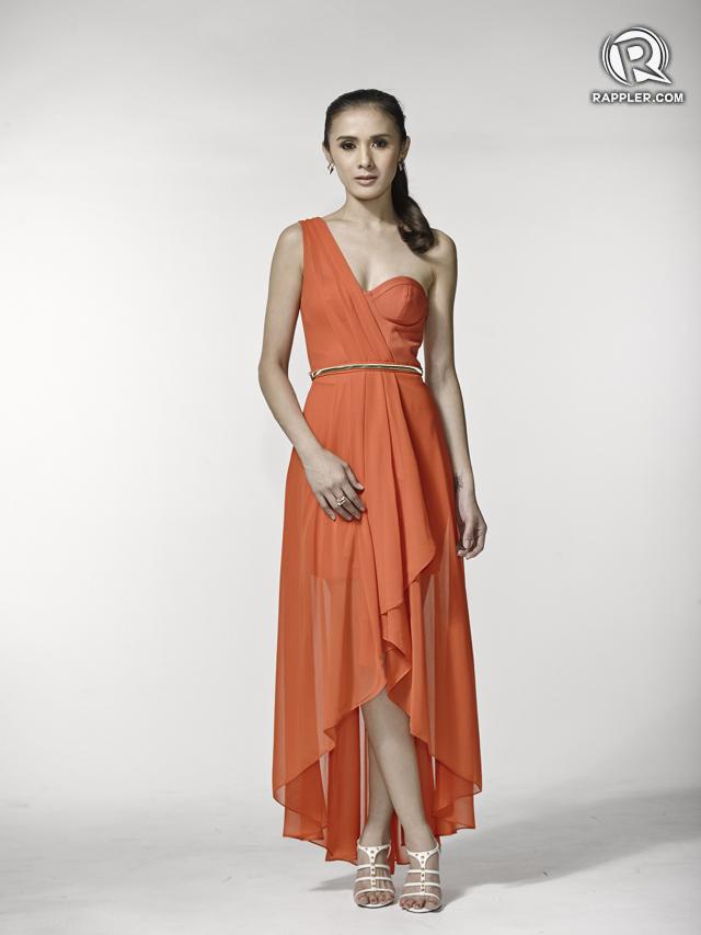 Dress, Ever New. Belt, Parfois. Earrings, Forever 21. Heels, Dumond.