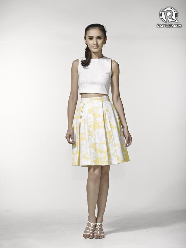 Top, Miss Selfridge. Skirt, Topshop. Heels, Dumond. Earrings, Parfois.