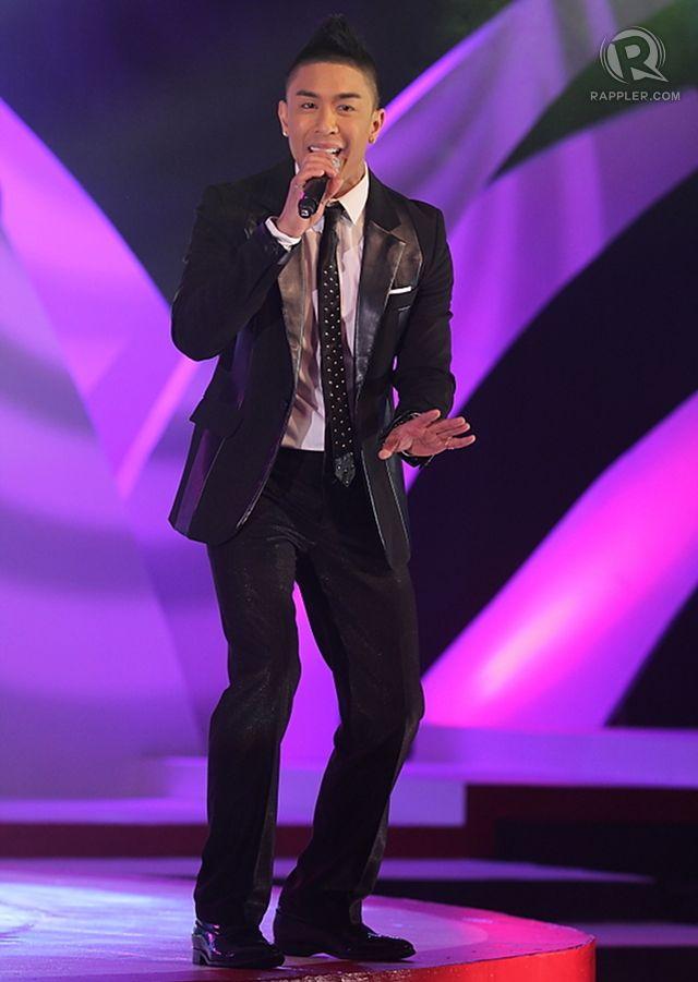 Ru0026B singer Kris Lawrence performs