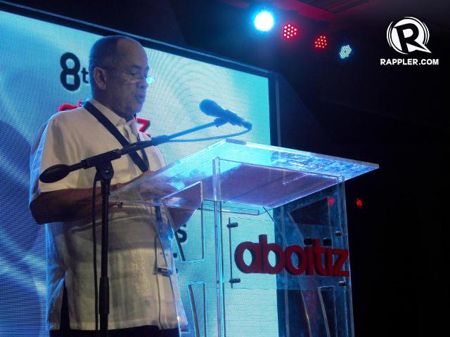 PEP TALK. Erramon Aboitiz addresses student leaders
