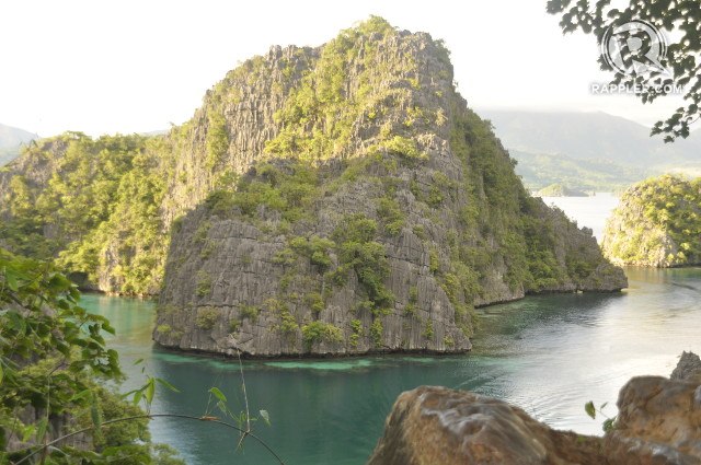 NATURAL WONDER. The view on the way to Kayangan Lake remains one of the most popular images of Coron