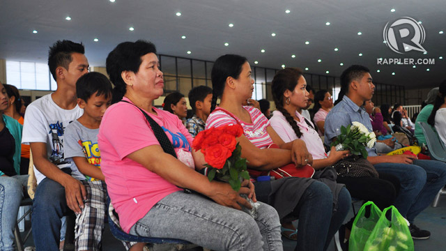 REMEMBERING THE FISHERMEN. Relatives of the fishermen who went missing attend a commemoration in General Santos City, 4 December 2013. Photo by Edwin Espejo