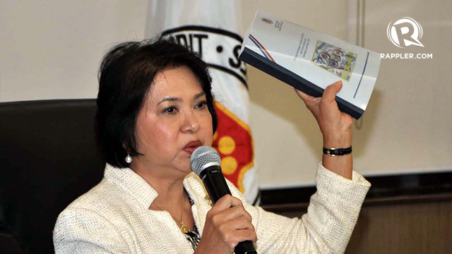 SPECIAL AUDIT. Commission on Audit chair Grace Pulido-Tan shows the special audit of lawmakers' pork barrel from 2007-2009 at a press conference on August 16. Photo by Rafael Taboy/Rappler.com