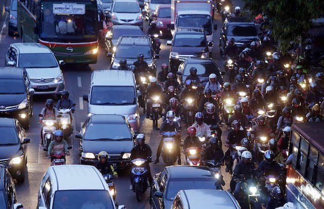 NOTORIOUS JAM. Restrictions on cars will soon be implemented in Jakarta. File photo by EPA