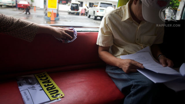 WITNESS. Raymond Manalo prepares for his testimony on the way to court. Photo by Carlo Gabuco
