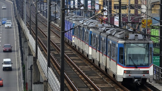 MASS TRANSIT. Studies show the need for better public transportation options. AFP file photo