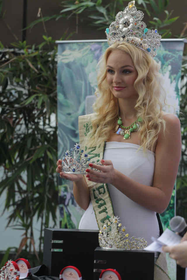 UNIQUE. Miss Earth 2012 winner Tereza Fajksovu00e1 (Czech Republic) shows the press this year's crowns for the winning Miss Earth candidates. The new crowns were designed by designed by environmentalist jewelry designer, Ramona Haar.