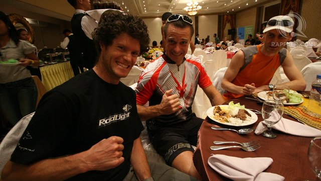 THUMBS-UP! A foreign team who joined the 2012 Mt. Apo adventure race. Photo from Karlos Manlupig