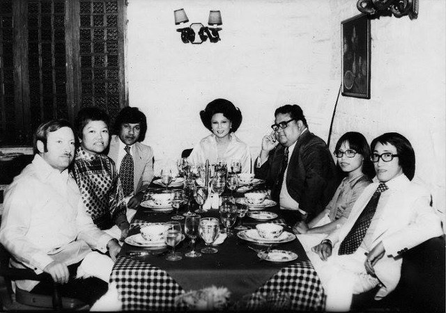 MILIEU. Through her passion in the culinary arts, Daza (center) embodied the character and energy of postwar Philippines. Photo from the Facebook page of Doreen Gamboa Fernandez