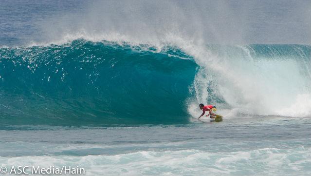 DESPITE AN INJURY. Bali's Pepen Hendrik won his heat