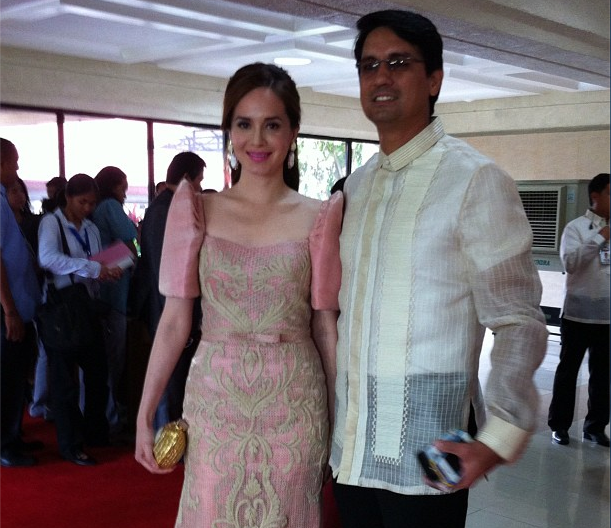 REP. LUCY TORRES-GOMEZ of Leyte's 4th District arrived in a carnation pink Randy Ortiz slim-cut terno that accentuated her svelte figure. The celebrity legislator walked the red carpet with husband, actor Richard Gomez, who looked ever the Filipino gentleman in his classic Barong Tagalog. Photo by Ayee Macaraig