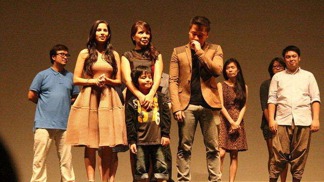 TRIUMPH AT CINEMALAYA. The cast of 'Transit' honored for ensemble acting
