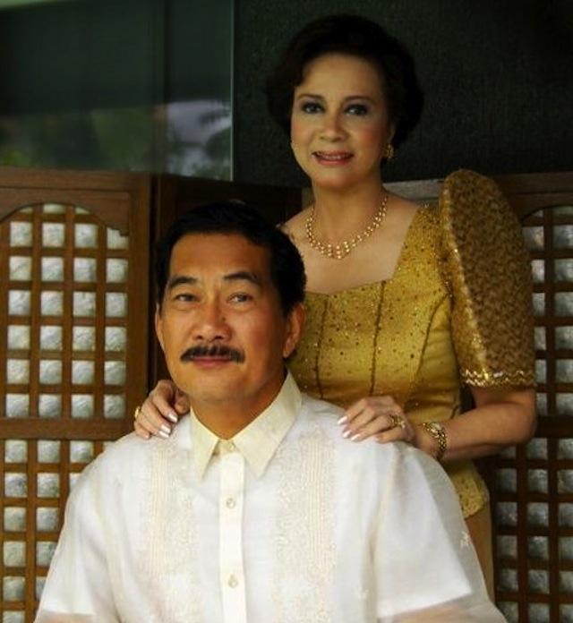 IN PEACE. The late former Bataan Rep Antonino u0022Tonyu0022Roman with his wife, Herminia. Photo from Wikimedia Commons