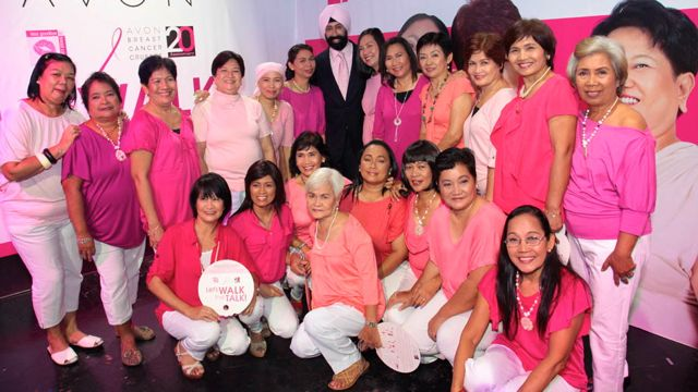 WALK THE TALK WITH these women (seen here with Avon GM Kanwar S. Bhutani) on October 21. Spread the word about the event and Breast Cancer Awareness Month.
