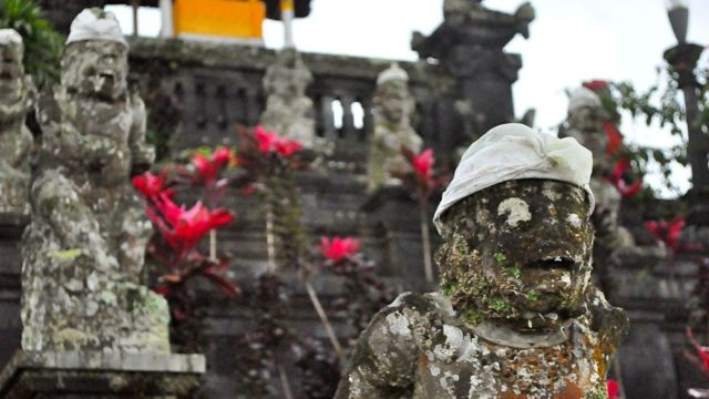 BALINESE TEMPLES HOLD BOTH 'good' and 'bad' guardians