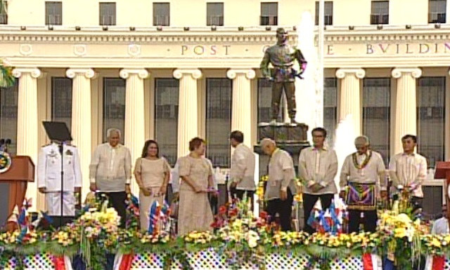 CELEBRATION. Members of President Benigno Aquino III's cabinet and other allies attend the 115th Independence Day commemoration in Manila. Screenshot from Rappler's livestream