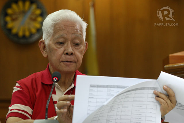 LONG LIST. Comelec chair Sixto Brillantes Jr. in a presser announcing the names of the elected officials who fail to submit on time their SOCE. Photo by Rappler/Jose Del