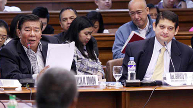 ARREST ORDER OUT. Senate President Franklin Drilon (left) has signed the arrest order against 14 people linked to Vice President Jejomar Binay, based on the recommendation of the Senate blue ribbon committee chaired by  Senator Teofisto Guingona III. File photo by Senate PRIB/Albert Calvelo