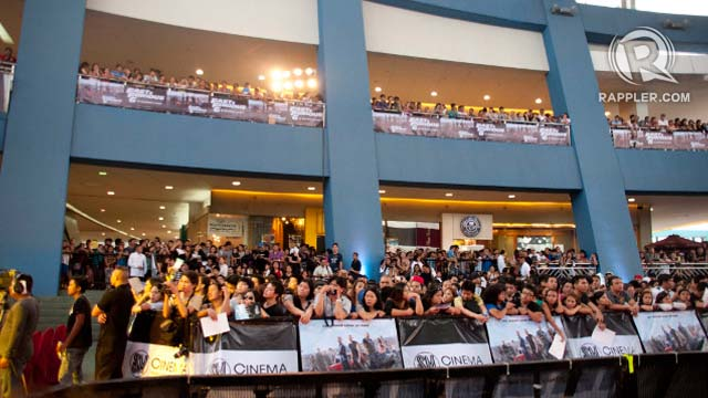 PATIENCE IS A VIRTUE. The huge crowd that showed up had to wait as long as 3 hours to get a glimpse of the Hollywood stars