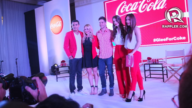 ALL IN RED. Host Iya Villania poses with the Gleeks