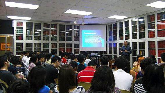 PROF. NESTOR T. CASTRO GIVES a talk on the cultural attachment of indigenous peoples to their ancestral lands. Photo by Ime Morales