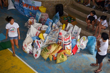 COLLECTIONS. Here are the sacks of segregated trash. All in a day's work. Photo by Jadd Padilla