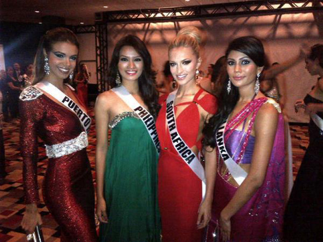 Janine with Miss Puerto Rico Bodine Koehler, Miss South Africa Melinda Bam and Miss Sri Lanka Sabrina Herft