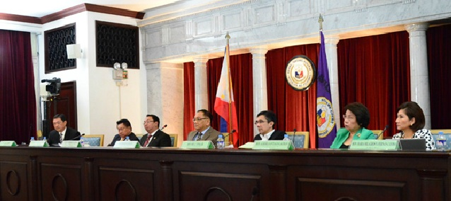 'IMPOSSIBLE SITUATION.' Senator Joker Arroyo says having only one representative of Congress in the JBC is an impossible situation. File photo from Supreme Court website