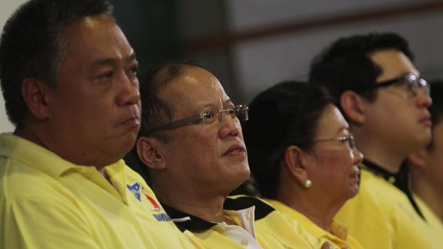 PRESIDENTIAL ENDORSEMENT. Cebu LP gubernatorial bet Junjun Davide believes with the Presidentu2019s backing, he can end the Garciasu2019 18-year hold on the capitol. File photo by Malacau00f1ang Photo Bureau