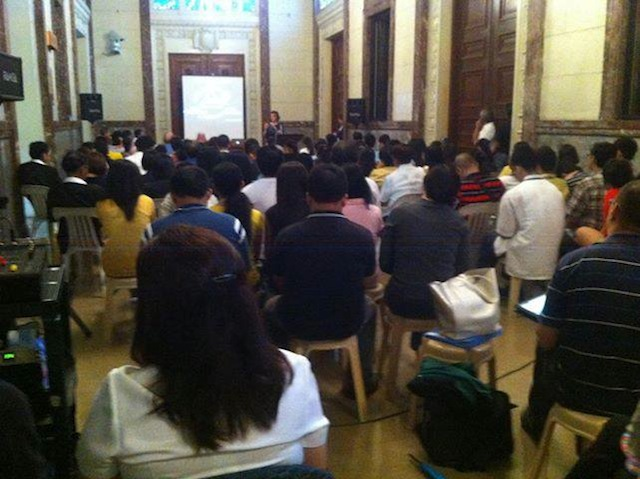 The crowd at Knowlton's talk at the National Museum, June 19, 2013. Photo courtesy of the US Embassy Manila