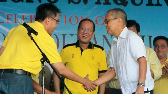SWING VOTE. The LP signs a coalition agreement with Cebuu2019s local Bakud Party of Danao City Vice Mayor Ramon u201cNitou201d Durano III, a partnership that boosts the candidacy of LP gubernatorial bet Junjun Davide. File photo from LP website