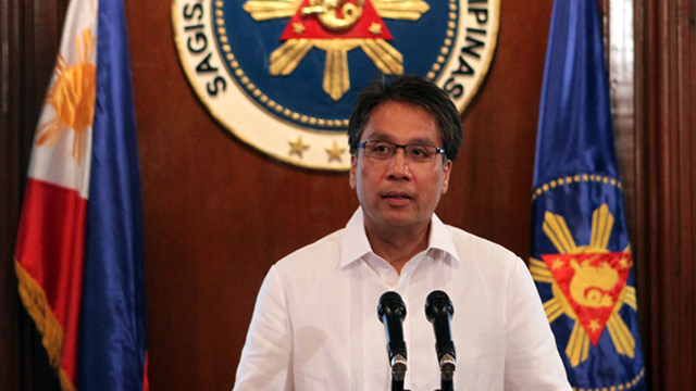 'FRAYED TIES.' Interior Secretary Mar Roxas says his meetings with top Chinese officials restarted the Philippines' u0022frayed tiesu0022 with Beijing. File photo by Malacau00f1ang Photo Bureau