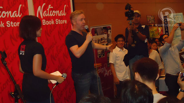 'DINGDONG' THE SCOTSMAN. Mark Millar addresses his fans. Photo by Jerald Uy