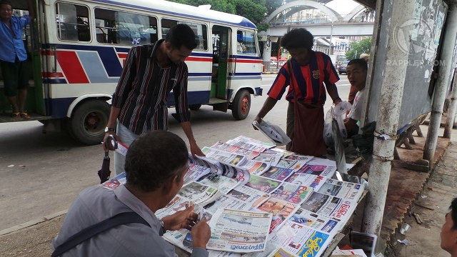 SURVIVAL STRUGGLE. Private daily newspapers struggle for survival in Yangon because of circulation and printing costs and readers' old habits. Photo by Rappler/Ayee Macaraig, 2013 SEAPA Fellow