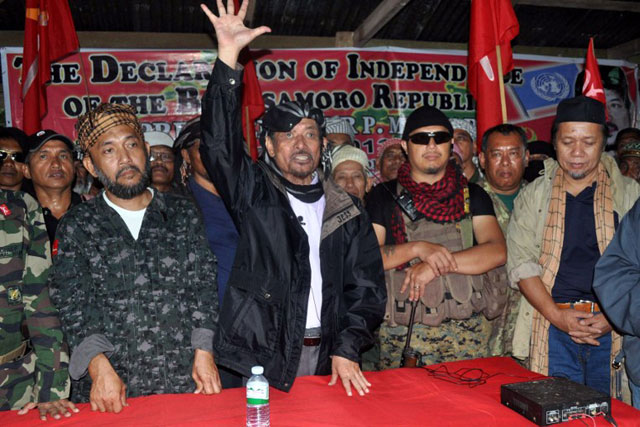 DECLARATION OF INDEPENDENCE. MNLF chair Nur Misuari declaring his break-up with the government in Indanan, Sulu, August 12. Photo by AFP
