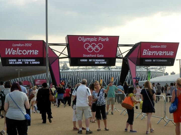 OLYMPIC FEVER. Olympo-mania hits London. Patricia Olabre.