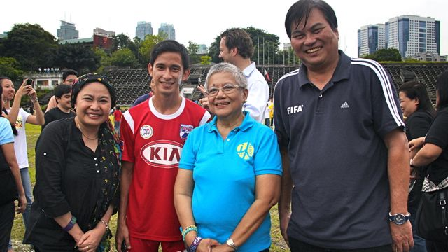 CHOOSING PEACE. PHOTO SHOWS (from left) GPH Panel member for talks with the MILF Yasmin Busran-Lao, Azkals' Anto Gonzales, OPAPP Sec. Teresita Quintos Deles and Philippine Football Federation president Mariano Araneta