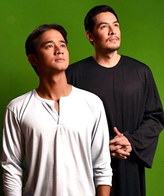 JM DE GUZMAN AS Pedro Calungsod and Christian Vasquez as Padre Diego Luis de San Vitores. Image from Mell T. Navarro's Facebook page