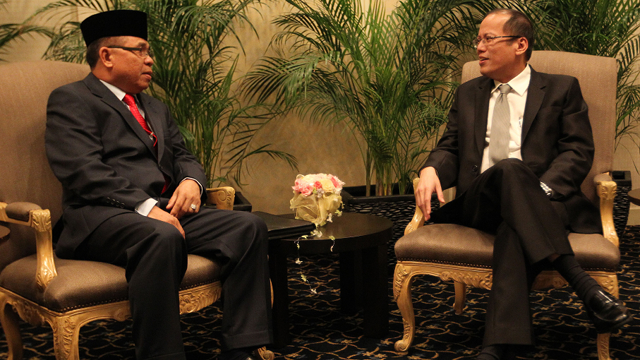 KEY MEETING. President Aquino met with MILF Chairman Al Haj Murad Ibrahim in Tokyo, Japan last August 2011. Malacau00f1ang Photo Bureau