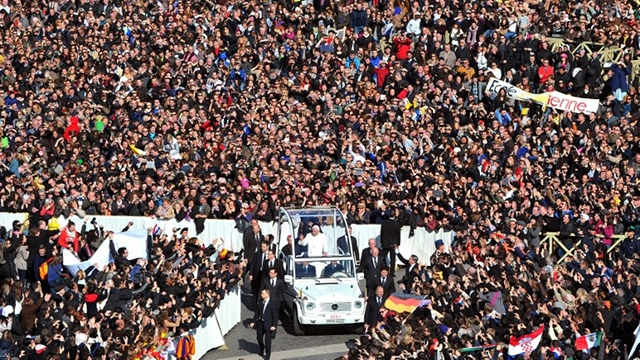 GOODBYE, BENEDICT. Over 50,000 people flock to St Peter's Square to bid Pope Benedict XVI farewell. Photo from AFP