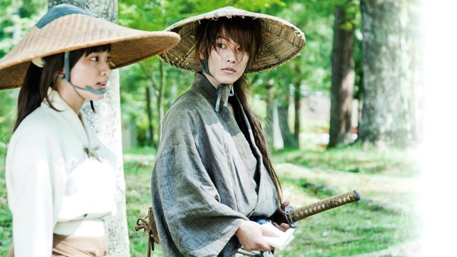 PAST IS PAST. Kaoru and Kenshin in serious discussion. Image from the movie's Facebook fan page