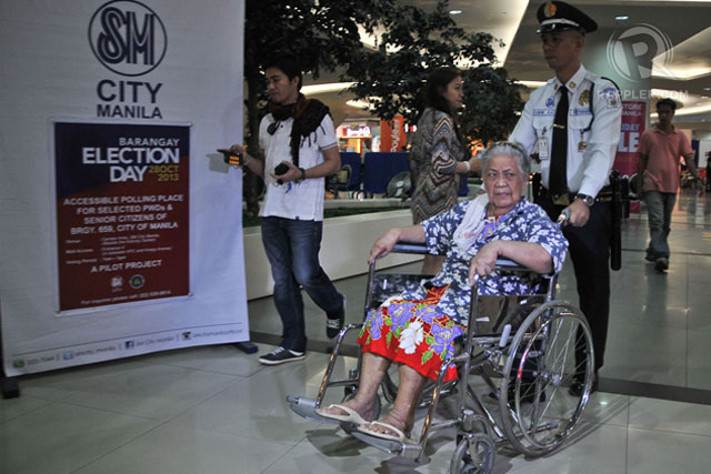 TIRELESS VOTER. Eulalia Malon, 75, after casting her vote on October 28. Photo by Roy Lagarde