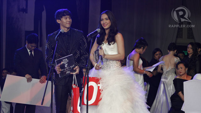 ENCHONG DEE AND MAJA Salvador receive their Star of the Night awards. All photos by Rappler.com