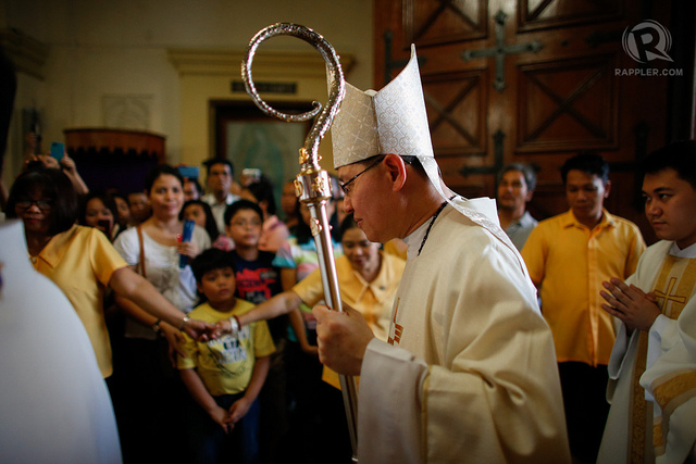 HOLY WEEK PRAYER. Manila Archbishop Luis Antonio Cardinal Tagle includes the May 13 elections in the Church's Holy Thursday intentions. Photo by Rappler/John Javellana