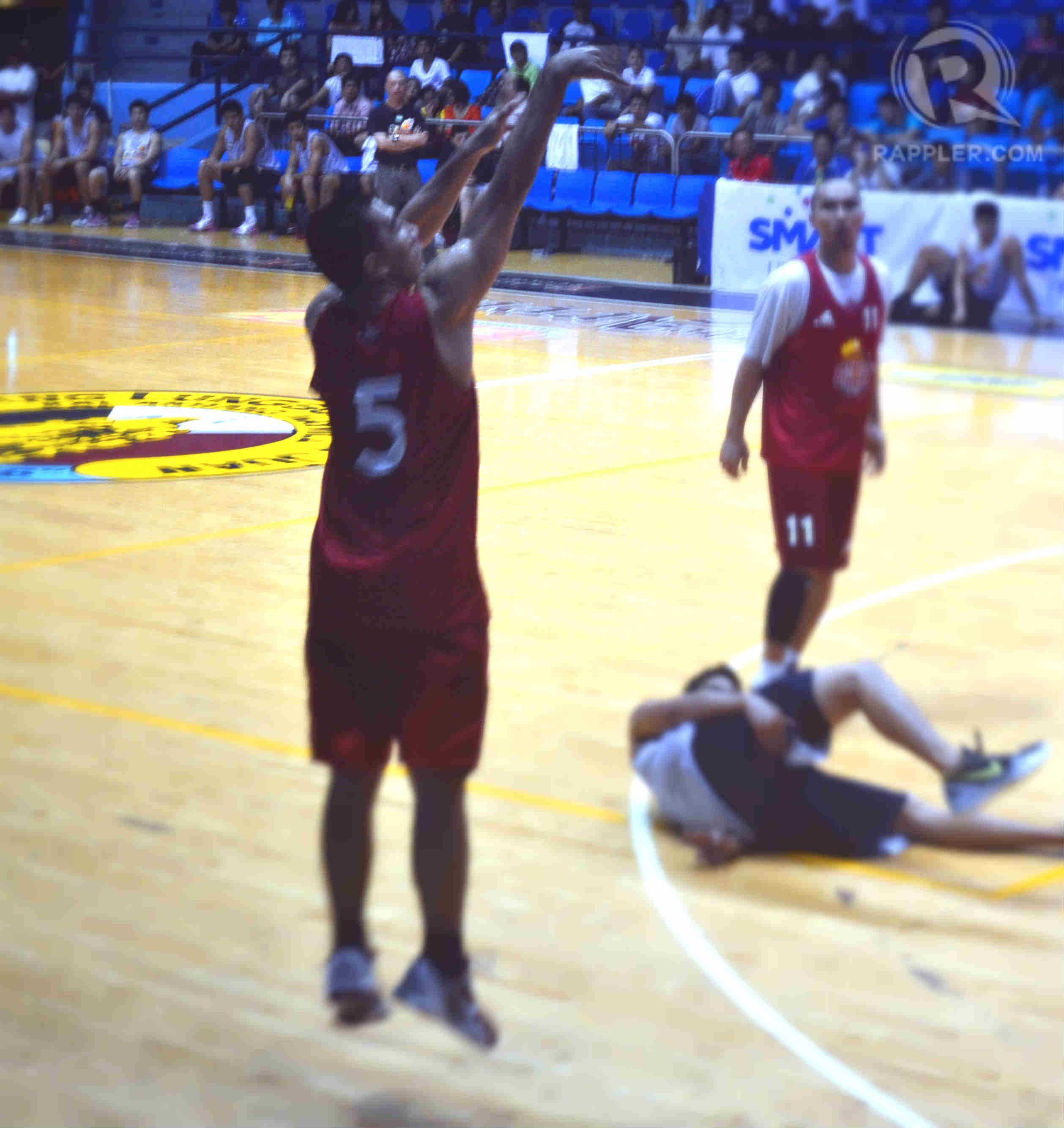 LA Tenorio goes up for a 3-pt shot in his first tune-up game with Ginebra.