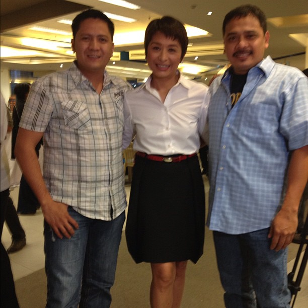 TRIO REUNITED. ABS-CBN cameraman Angel Valderrama, reporter Ces Drilon, and cameraman Jimmy Encarnacion are reunited at the u0022Bin Laden to Facebooku0022 book launch 4 years after they were kidnapped in the jungles of Sulu. Photo from Ces Drilon's Twitter account