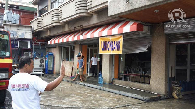 MAKESHIFT BANK. UnionBank is set to resume its operations in Tacloban inside this 'tiangge' on November 21. Photo by Hector Go