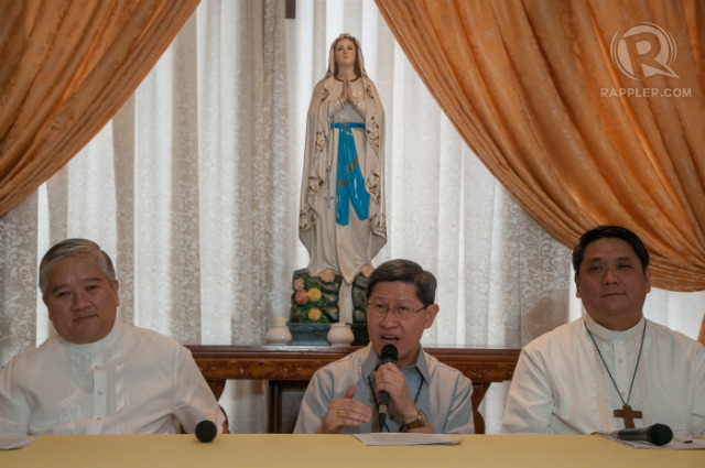 'PREPARING THE NATION.' Lingayen-Dagupan Archbishop Socrates Villegas, Manila Archbishop Luis Antonio Cardinal Tagle, and Pasig Bishop Mylo Hubert Vergara hold a news conference on preparations for Pope Francis' Philippine trip. Photo by Roy Lagarde/Rappler