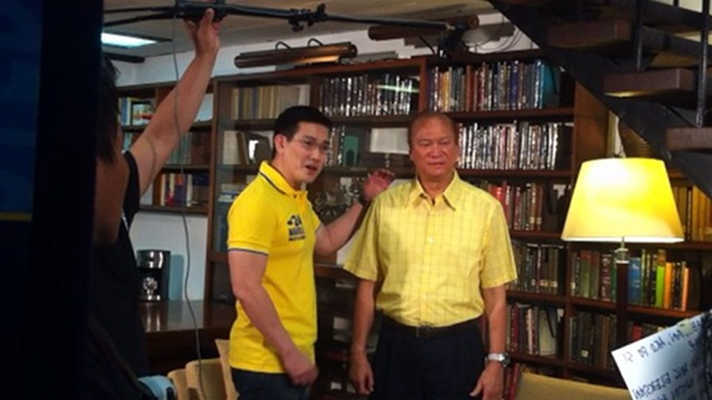 CAREFUL WITH VOTE.  Actor Richard Yap, or 'Ser Chief,' shoots a political ad with senatorial bet Ramon Magsaysay Jr on Sunday, March 25. Photo by Rappler/Natashya Gutierrez